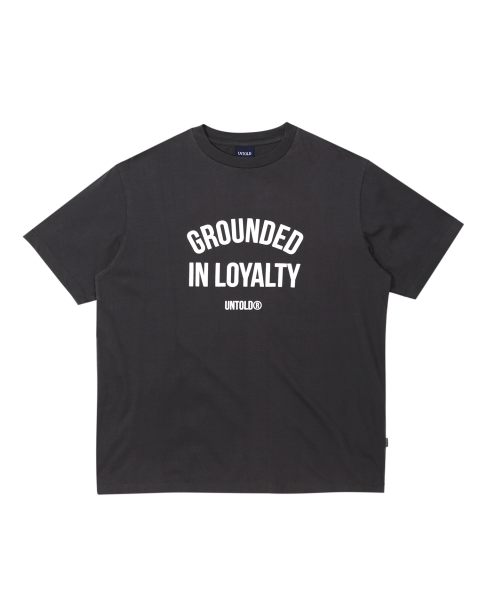 GROUNDED ARCH BASIC TEE - CHARCOAL